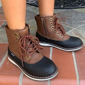 NEW** BOYS BLACK/ BROWN LACE UP DUCK BOOTS